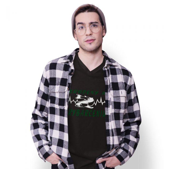 tričko s potalčou - čierne - ZRODENÝ K RYBÁRČENIU